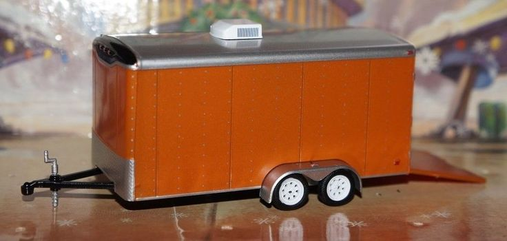 LIMITED ENCLOSED CAR HAULER WITH A/C TRUCK TRAILER 1/64 DIORAMA DCP GREENLIGHT #Greenlight #AC