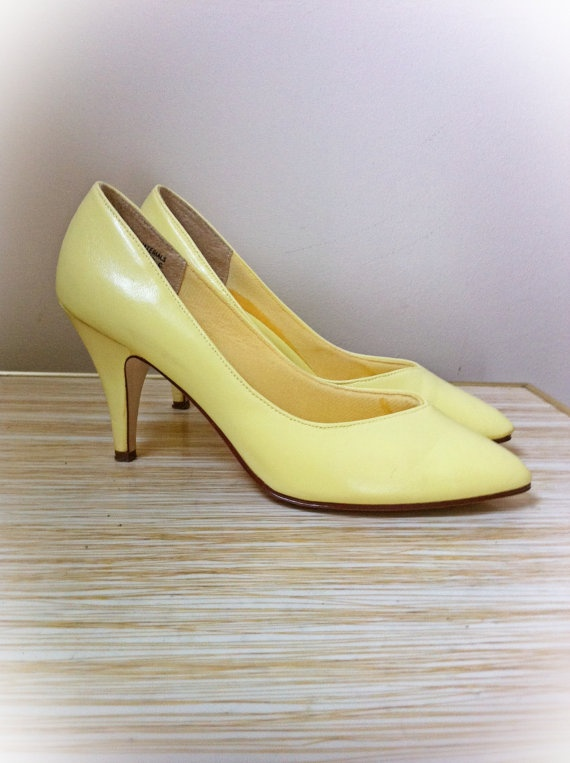 Vintage Lemon Yellow High Heels by ArtDecoDame on Etsy, $24.00