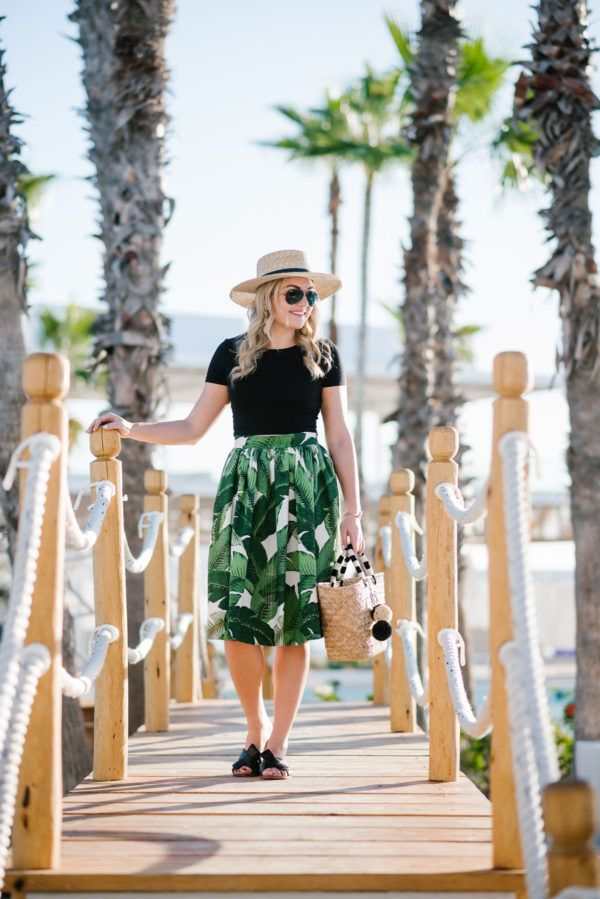 Palm Print Skirt: Day to Night — bows & sequins. Black top+palm print skirt+black bow slides+straw basket-bag+straw hat+sunglasses. Summer Casual Outfit 2017