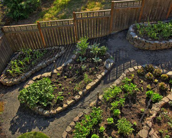 42 best vegetable garden design images on pinterest for Attractive vegetable garden fence