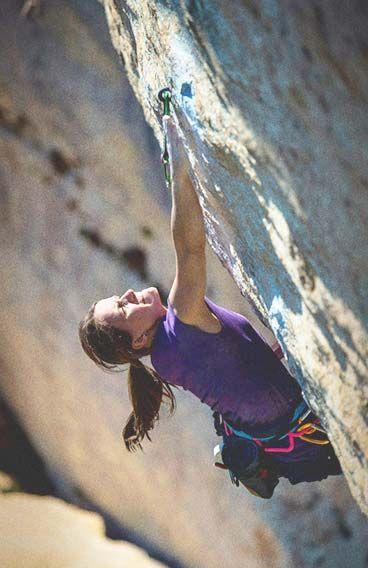 La Rose et le Vampire   8B  BUOUX www.mammut.ch/rockclimbing Anna Stöhr  Antoine Le Menestrel #climbing #rockclimbing #mammut