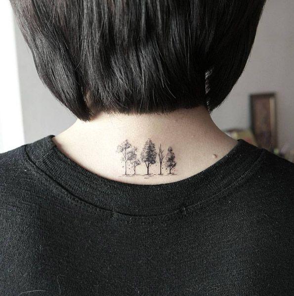 40 perfekt platzierte Tattoos, die alle Frauen verehren werden