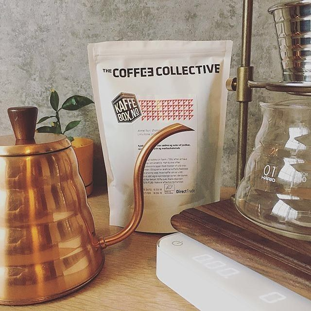 Last few days with this month's KaffeBox from # @le_coffee_geek   This month two coffee from @coffeecollectif : Ethiopian Heirloom (Natural sun dried) from Limu Kosa Jimma and the other one is a Bolivian Caturra-Typica-Catuai (semi washed) from Bolinda. I'm curious about the one from Bolivia with notes of cocoa caramel nougat and pistachios. Stay tuned ! . . . . . . Hashtag #coffee #coffeegeek #pourover #coffeetime #coffeegram #mtlcafecrawl #aeropress #kalitawave #baristalife #drip…