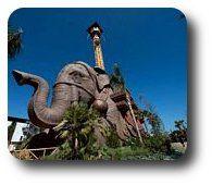 Torre di caduta del parco divertimenti Cinecittà World a Roma