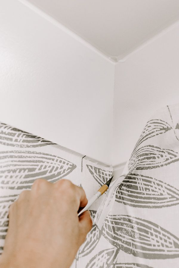 7 Tips For Applying Peel And Stick Wallpaper Peel And Stick Wallpaper Wallpaper Project Hallway Decorating