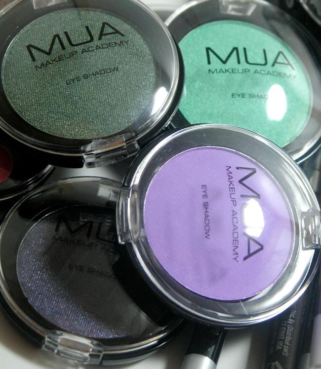 MUA Make Up Academy Eyeshadows Review, Swatches & Eye