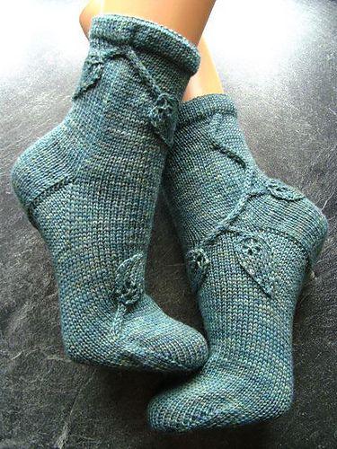 Wunsch Blatt Socken pattern by Sonja Köhler - in german and english