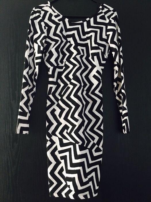 Mein H&M Kleid XS schwarz weiß von H&M! Größe 34 / XS für 13,00 €. Sieh´s dir an: http://www.kleiderkreisel.de/damenmode/kurze-kleider/121563130-hm-kleid-xs-schwarz-weiss.