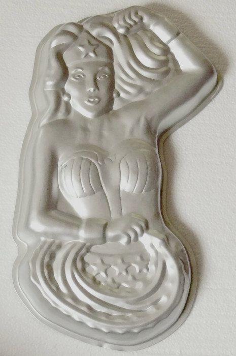 #Vintage 70s Wonder Woman Wilton Cake Pan by jujubeezcloset on Etsy, $15.00