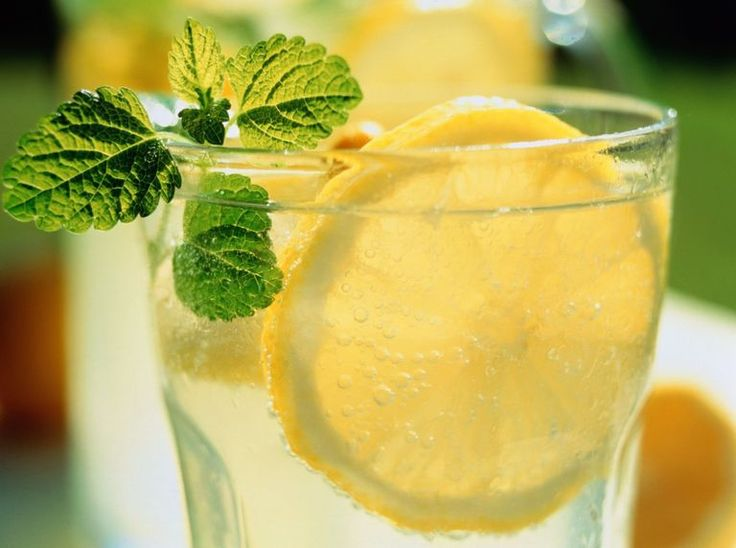 If you're on a low-carb or sugar-free diet, you don't have to cut out your favorite drinks. Check out this recipe for a sugar-free, low-carb Lynchburg lemonade, and browse our top 10 diet friendly cocktails.