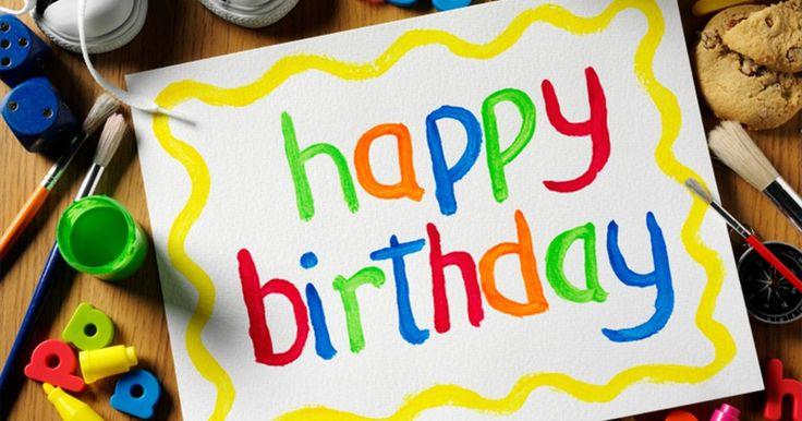 Como fazer cartões de aniversário pop-up. Cartões de aniversário em pop-up são uma forma simples e portátil de adicionar um toque especial aos aniversários. Você pode fazer seu cartão com um bolo pop-up e cumprimentos escritos à mão. Os cartões podem ser feitos com materiais padrões de artesanato, tais como cola e cartolina colorida. Seu cartão pop-up feito à mão com certeza se destacará ...