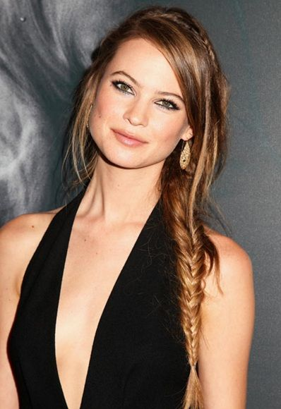 Behati Prinsloo has the perfect side swept plait http://asos.to/1szhnIL
