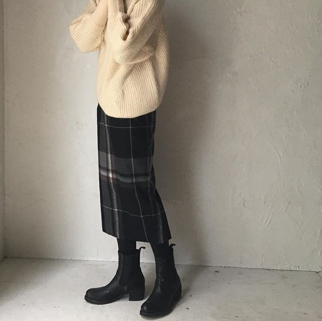 THE FACTORY 2016AW  check tight skirt  #thefactory #2016aw #wool #check #skirt #tight  @laviealacampagne_official @ancienne_gokurakuji @le_grenier @latelier_de_maison_de_campagne @ambiente_resort @r.silva76