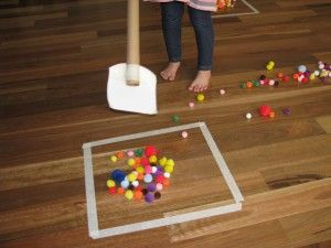 Simple, clever #kidsactivity - Pom Pom Hockey! Great for #preschool #toddler