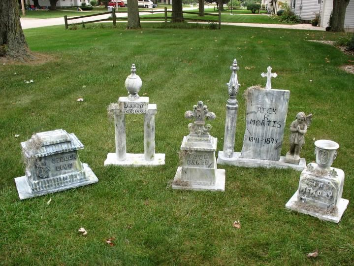 Halloween tombstone ideas diy. I like the styrofoam coolers