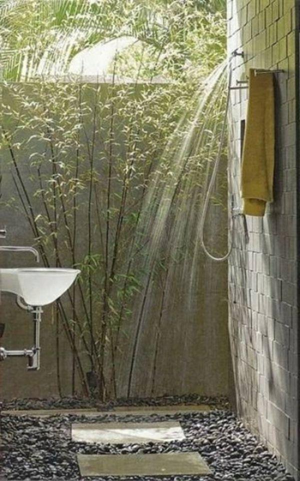 Le mod le de salle de bain ext rieur puret pour l 39 esprit for Bain a remous exterieur