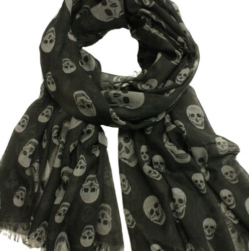 Skull Scarf: Fashion Scarves, Scarfs Black, Scarfs Fashion, Skull Scarfs, Hats Scarfs, Fashion Styl, Skull Bows, Fashion Hair Makeup, Scarfs Obsession