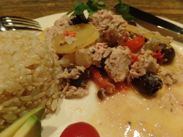 Creole Stew: Slow cooked pork filet and sausage with just the right kick of Louisiana tastes - marjoram, pearl onions, black olives, red bell pepper, dill pickles and cream. Mmmm. http://nordiccooker.com/en/recipes/creole-stew