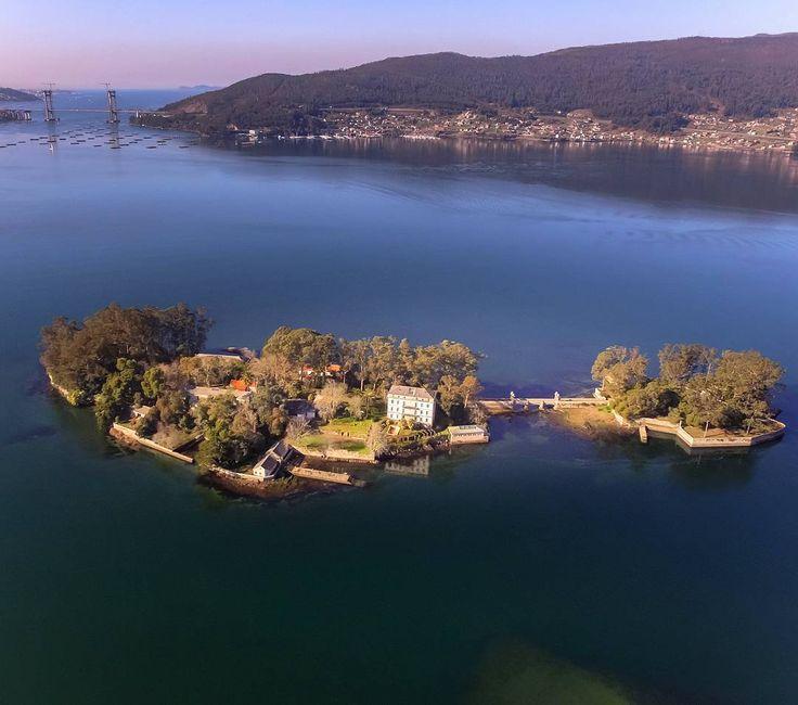 La isla de San Simón, en la ría de #Vigo vía @sologalicia #RíasBaixas #Galicia