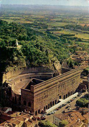 Provence, Orange: Théâtre Antique - Ancient Roman ruins in France http://go.jeremy974.prodev.4.1tpe.net