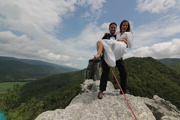 """Bob and Antoine Ewing take """"climb every mountain"""" to new heights with their mountaintop wedding ceremony on the South Peak of Seneca Rocks in West Virginia.Wedding Ceremonies, Mountain Tops, Couples Climbing, Photos Ideas, Rocks Climbing Wedding, Mental Health, Climbing 900, Yahoo Health, Seneca Rocks"""