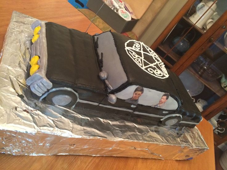 "castielonfire:  demonhunting:  demonhunting:  ""MY DAD MADE AN IMPALA CAKE FOR MY BIRTHDAY HOLY HELL  My dad who spent 12 hours making this cake for me wants this post to get 2000 notes I will do it god dammit! this is amazeballs"" --please notice Cas is not shotgun, lol."