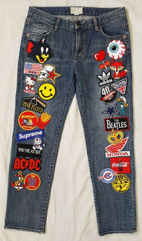 TODOS LOS PARCHES EN LOS PANTALONES VAQUEROS DE HIERRO PRIMERO Y LUEGO COSIDOS A MANO. YO SIEMPRE COSA DE TODOS LOS PARCHES EN LOS PANTALONES VAQUEROS ***  Se trata de Hand-Reworked Vintage Jeans con parches las mujeres 30 cintura : Nuevos parches 28 delante de los pantalones vaqueros / cosida a mano : Parches de buena calidad, hechos en Tailandia : Pantalones vintage fabricados en Corea : Buen estado Vintage : Azul Jean : Bolsillos 5 : Tiempo de proceso 3-5 días laborales : Todos los pe...