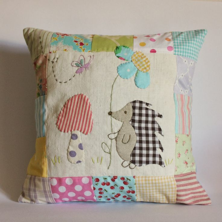 Roxy Creations: Sweet applique pillows made