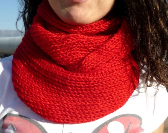 The redest of reds by Tina Allen on Etsy