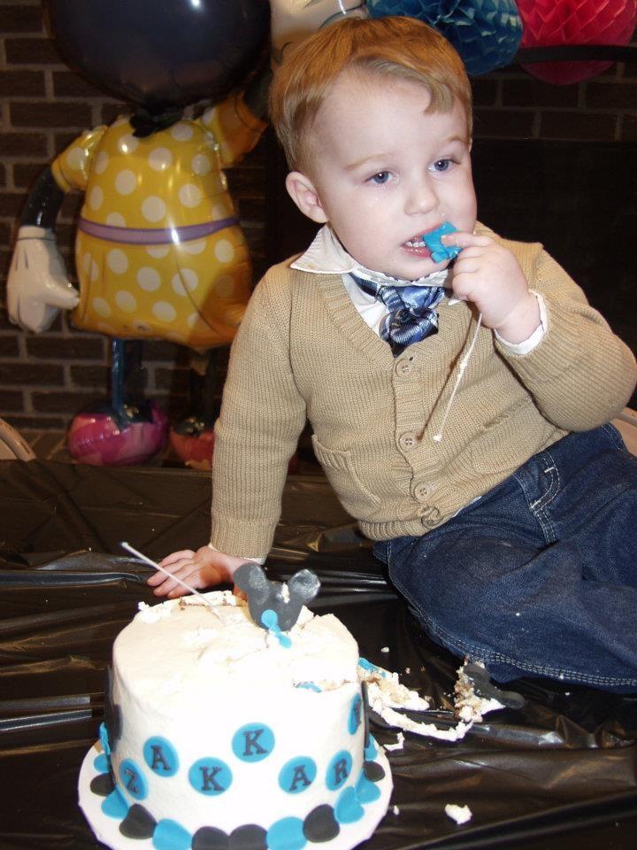 Bella Cake Art Facebook : Zakkary s Mickey cake :) The Chambers Crew ...