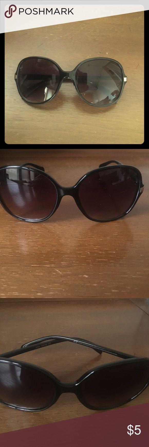 H&M black sunglasses Black oversized women's sunglasses. Worn once. Perfect condition. H&M Accessories Glasses