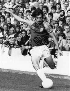 Pictures of West Ham Players   Alan Devonshire