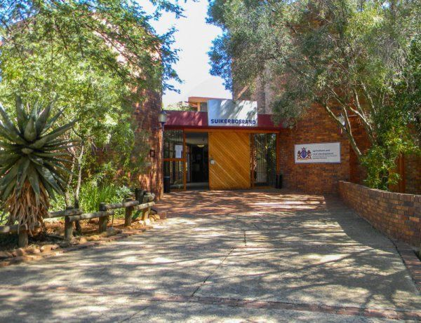 Suikerbosrand Nature Reserve (02.05.2014) - Visitor Centre | MeyertonW