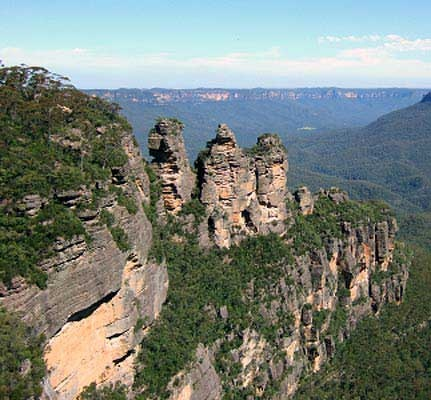"""Blue Mountains, Australia  This rock formation is called """"Three Sisters"""",  Spent a beautiful day here with my Aussie friends."""
