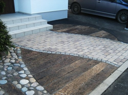 mixing landscaping/paving materials