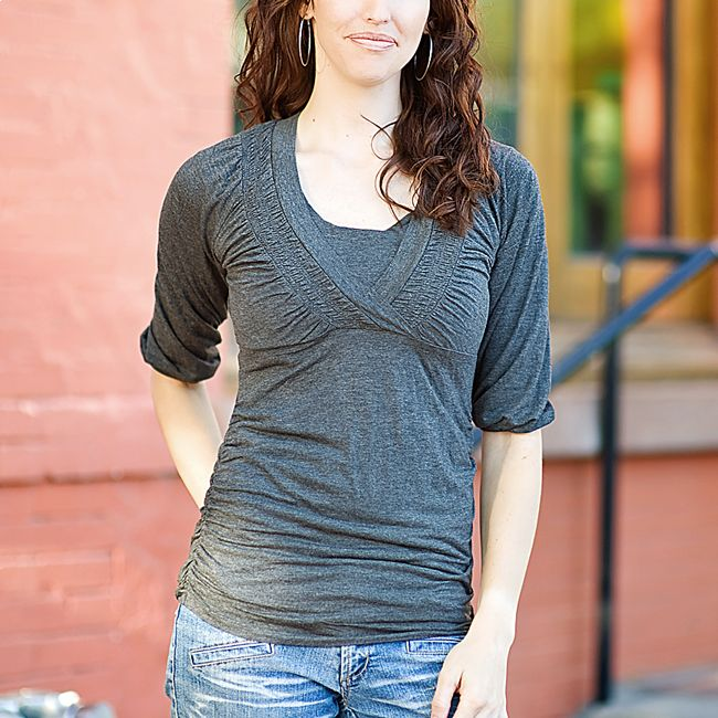 3/4 sleeve - maternity/nursing top - adorable!
