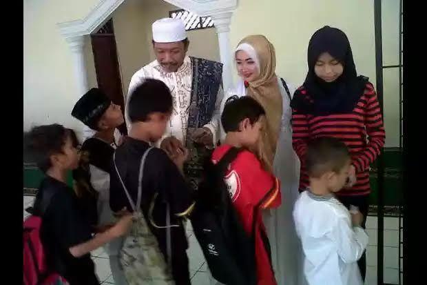 Sekolah Master Depok Dapat Bantuan Dari LSM Kapok