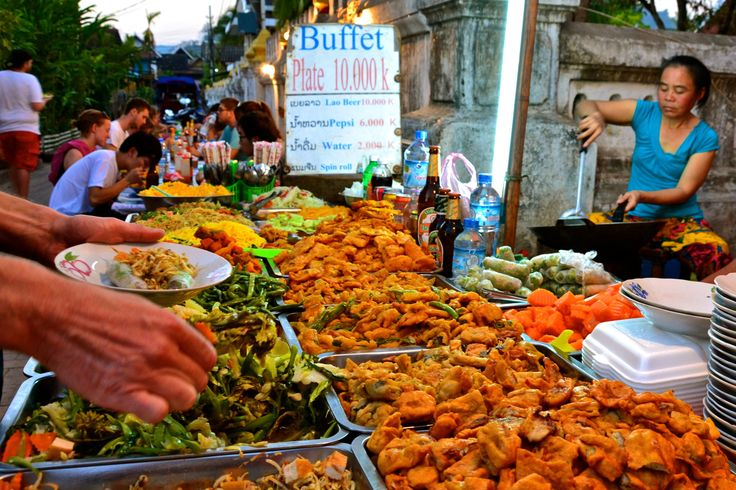 Luang Prabang: Night Market with great and cheap food