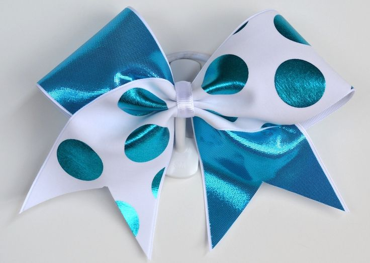 This is such a cute cheer bow