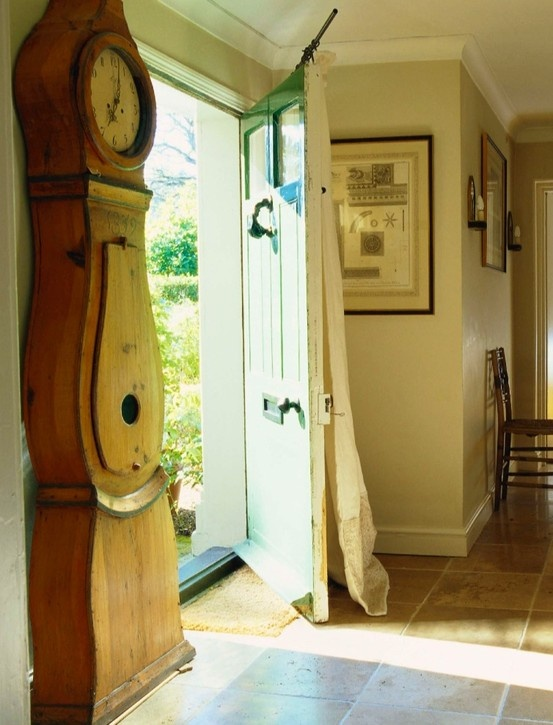 Entry way: NOW AND THEN: Dreamy English Country Cottages by Colefax and Fowler  Decor Arts Now