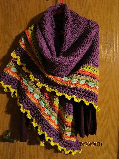 Ravelry: CraftyKathy1950's My Sunday Shawl
