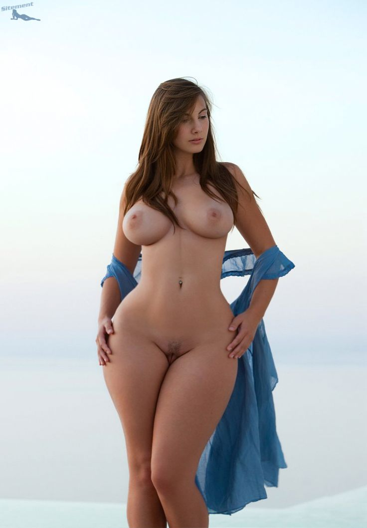 wide hips nd naked fabulous pussy