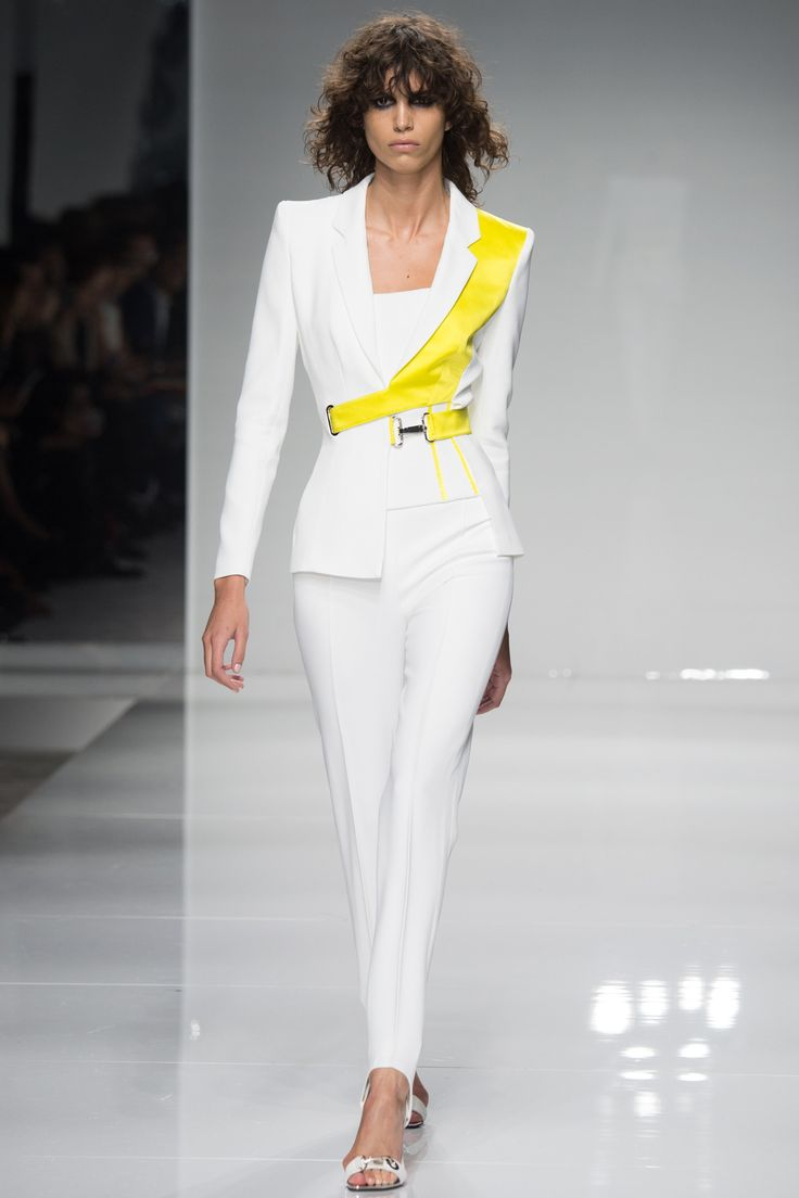 Atelier Versace   Spring/Summer 2016 Couture Collection via Donatella Versace   Modeled by ?   Paris; January 24, 2016