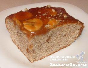 Карамельный пирог с бананами и грецкими орехами