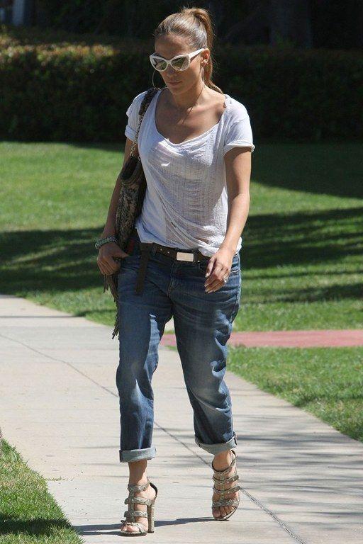 JLo...street styleBoyfriend Jeans, Casual Style, Fashion, Jennifer Lopez, Jlo Style, Street Style, Boyfriends Jeans, T Shirts, Jenniferlopez