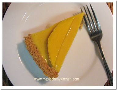 Mango pie recipe, easy and no-bake mango pie recipe. The tropical flavors of this pie are sweet and creamy.