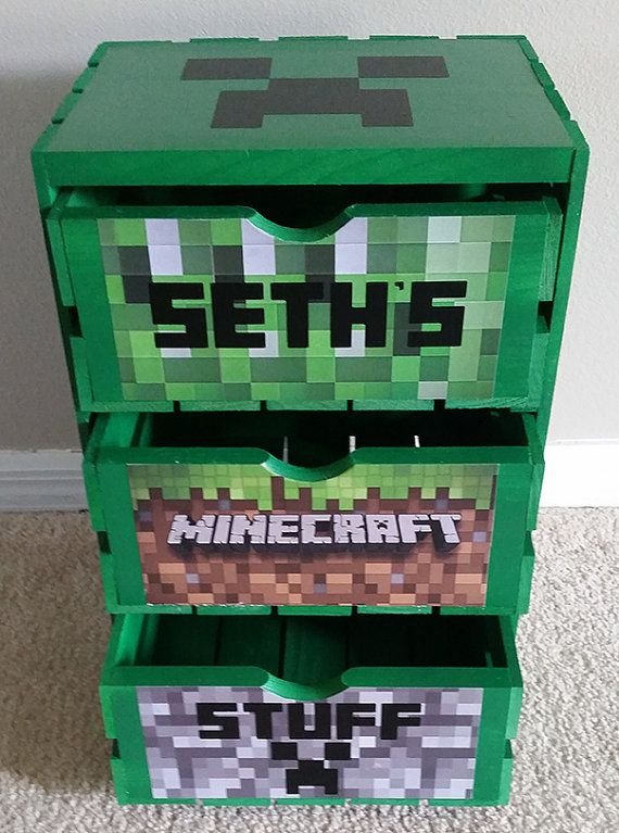 Minecraft Themed wooden crate with drawers by burningisolation