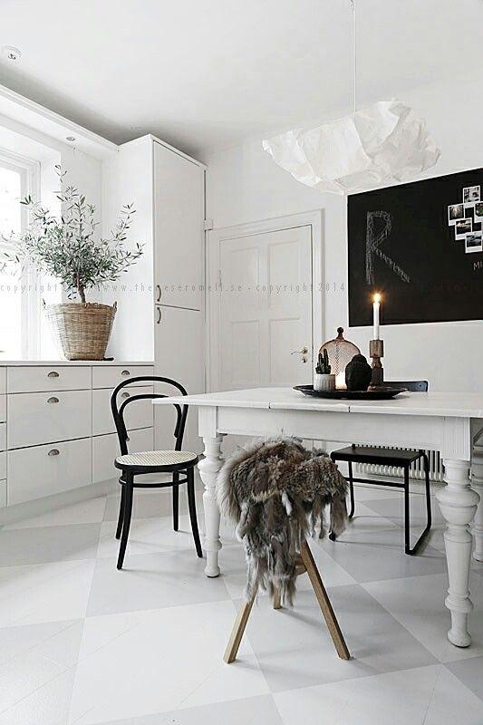 måla om vårt bord, grått eller vitt