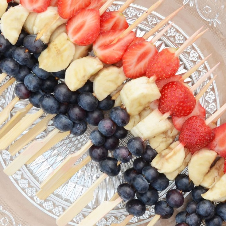 Op een gezonde Sportzomer! Rood-wit-blauwe fruitprikker