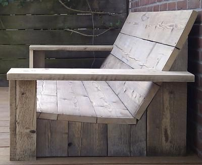 Bekijk de foto van Nikolsje met als titel Loungebank van hout en andere inspirerende plaatjes op Welke.nl.